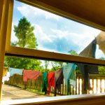 ベランダやバルコニーが西向きの場合洗濯物は乾く?メリットや西日対策
